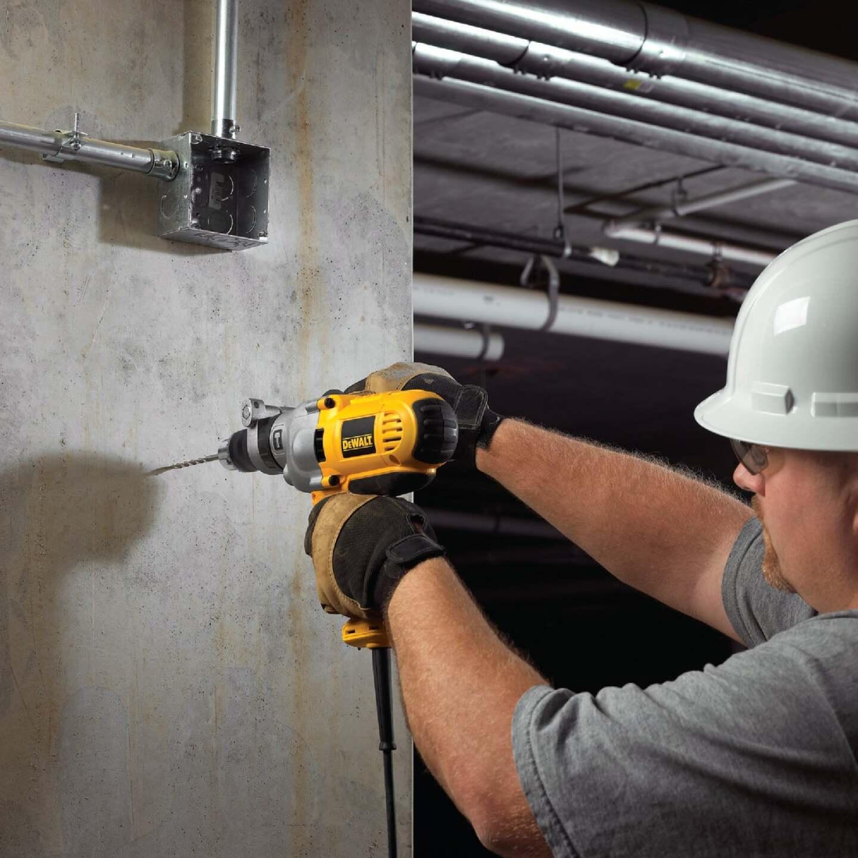 DeWalt 1/2 In. Keyed 10.0-Amp VSR Mid-Handle Grip Electric Hammer Drill Image 2